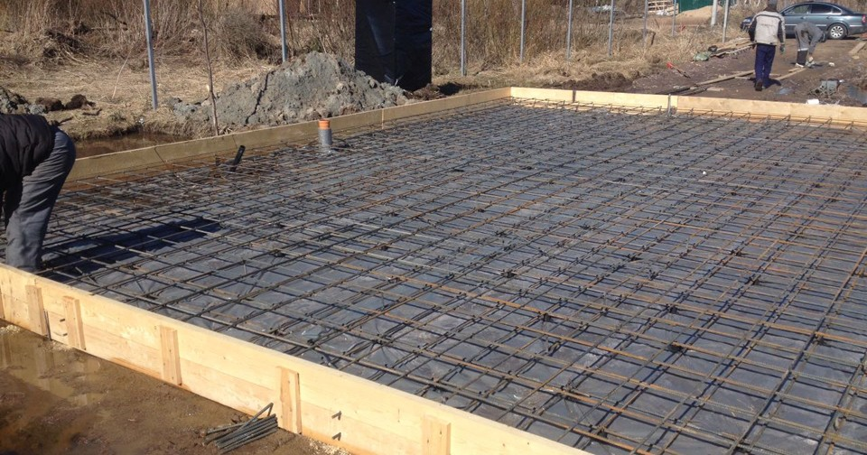 armirovanie-plitnogo-monolitnogo-fundamenta-2